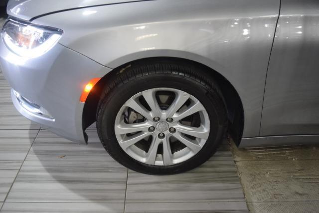 2015 Chrysler 200 Limited Richmond Hill, New York 16