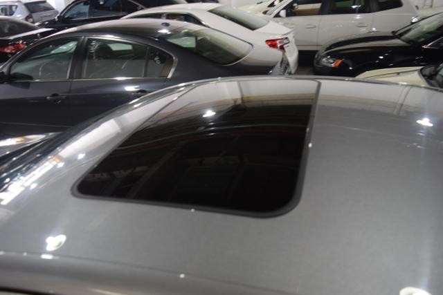 2015 Chrysler 200 Limited Richmond Hill, New York 4