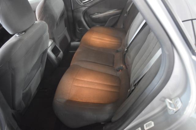 2015 Chrysler 200 Limited Richmond Hill, New York 6