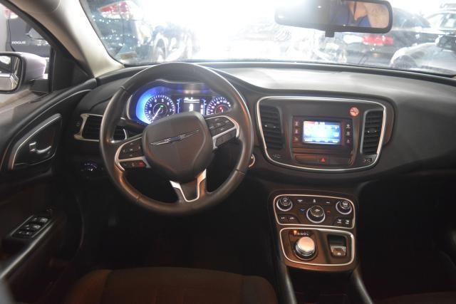 2015 Chrysler 200 Limited Richmond Hill, New York 7