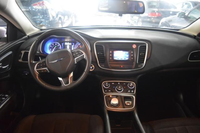 2015 Chrysler 200 Limited Richmond Hill, New York 8