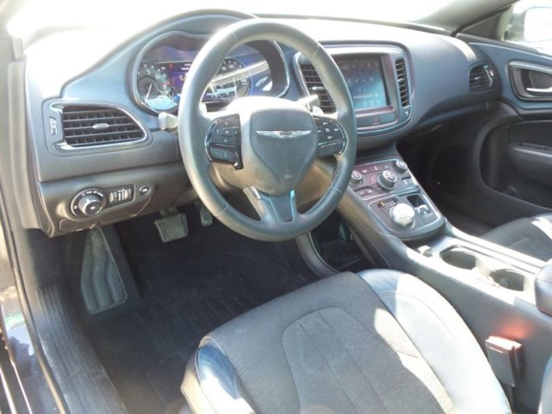 2015 Chrysler 200 S   Texas  Victoria Certified  in , Texas