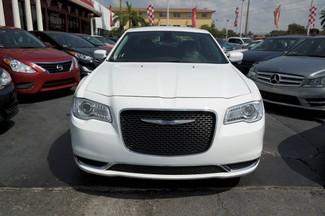 2015 Chrysler 300 Limited Hialeah, Florida 1