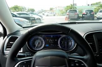 2015 Chrysler 300 Limited Hialeah, Florida 16