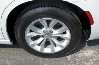 2015 Chrysler 300 Limited Hialeah, Florida 26