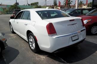 2015 Chrysler 300 Limited Hialeah, Florida 5