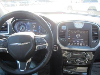 2015 Chrysler 300 Limited Houston, Mississippi 10