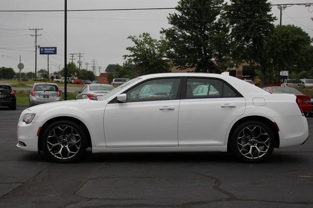 2015 Chrysler 300 300S Mooresville , NC 3