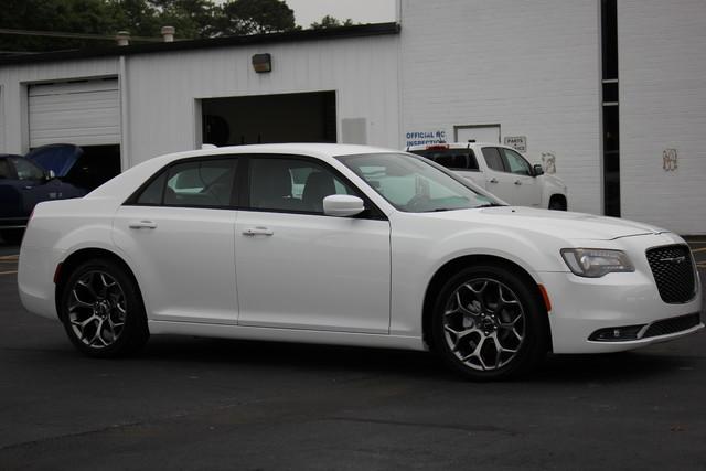 2015 Chrysler 300 300S Mooresville , NC 8