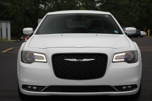 2015 Chrysler 300 300S - RWD - NAVIGATION - HEATED LEATHER! Mooresville , NC 14