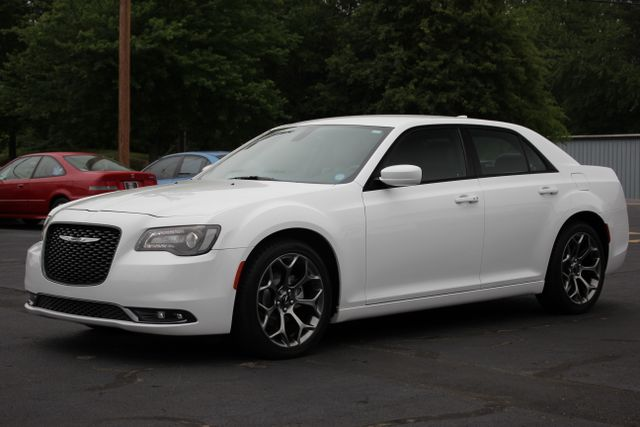 2015 Chrysler 300 300S - RWD - NAVIGATION - HEATED LEATHER! Mooresville , NC 20