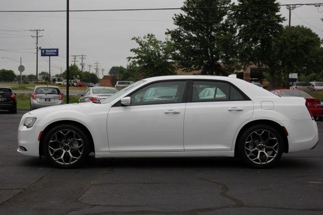 2015 Chrysler 300 300S - RWD - NAVIGATION - HEATED LEATHER! Mooresville , NC 13