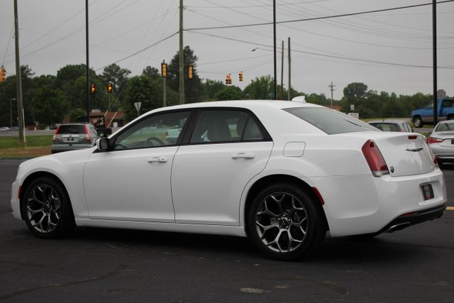 2015 Chrysler 300 300S - RWD - NAVIGATION - HEATED LEATHER! Mooresville , NC 21