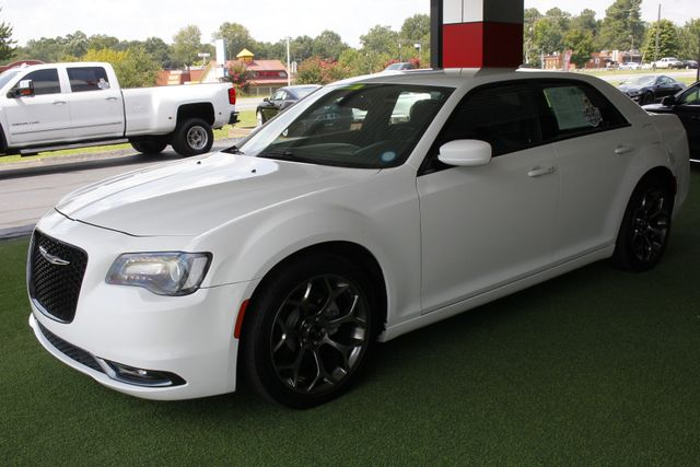 2015 Chrysler 300 300S - RWD - NAVIGATION - HEATED LEATHER! Mooresville , NC 23