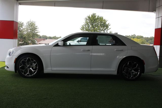 2015 Chrysler 300 300S - RWD - NAVIGATION - HEATED LEATHER! Mooresville , NC 15