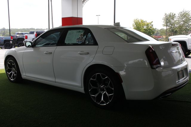 2015 Chrysler 300 300S - RWD - NAVIGATION - HEATED LEATHER! Mooresville , NC 25