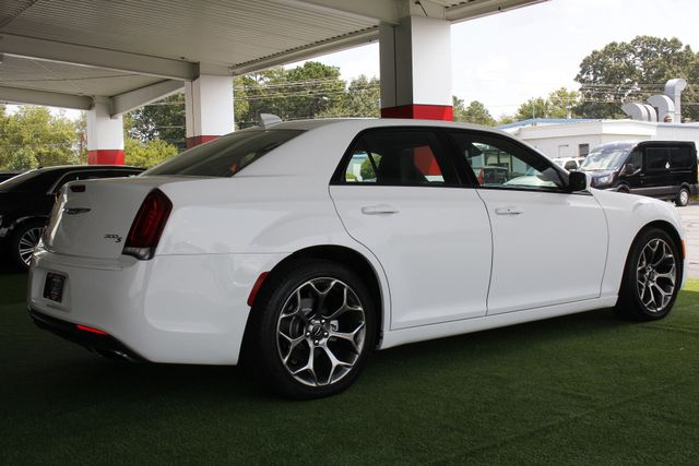2015 Chrysler 300 300S - RWD - NAVIGATION - HEATED LEATHER! Mooresville , NC 24