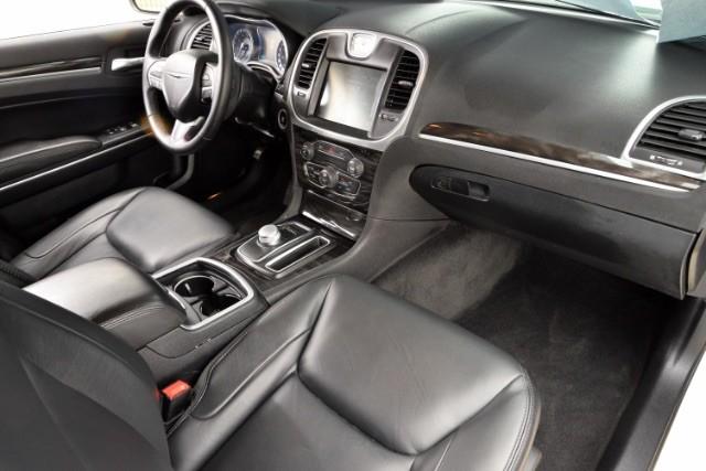 2015 Chrysler 300 Limited San Antonio , Texas 10