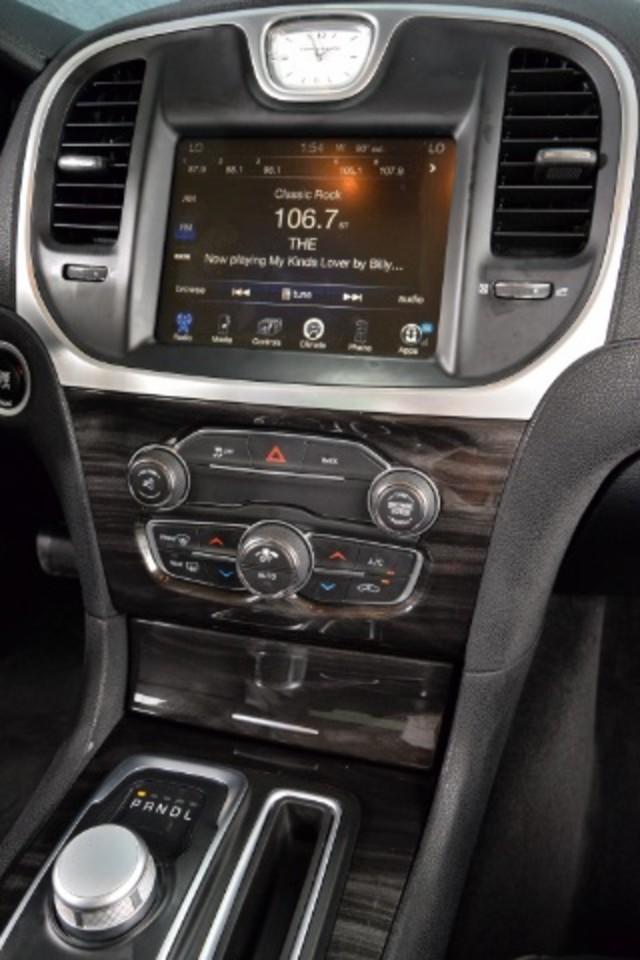 2015 Chrysler 300 Limited San Antonio , Texas 11
