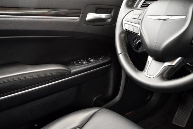 2015 Chrysler 300 Limited San Antonio , Texas 14