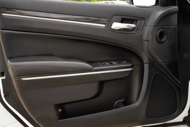 2015 Chrysler 300 Limited San Antonio , Texas 18