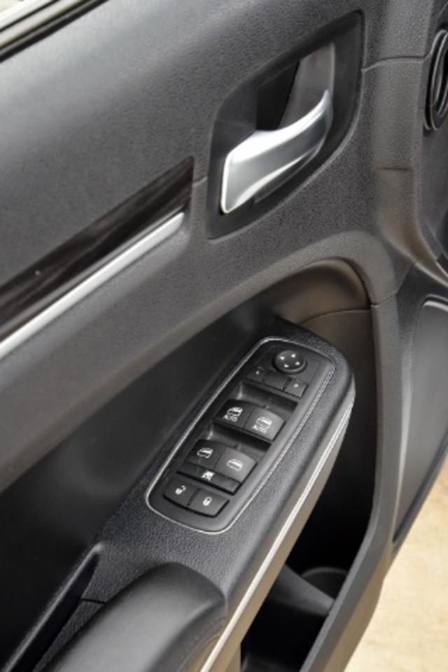2015 Chrysler 300 Limited San Antonio , Texas 19