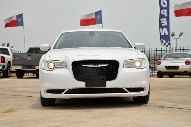 2015 Chrysler 300 Limited San Antonio , Texas 3
