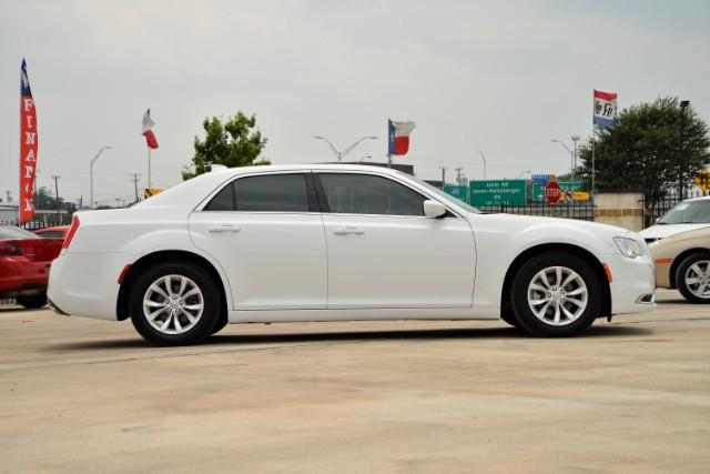 2015 Chrysler 300 Limited San Antonio , Texas 4