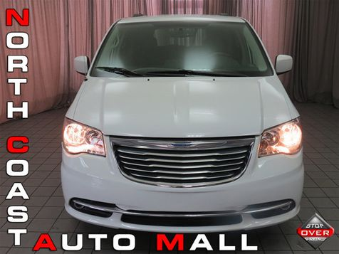 2015 Chrysler Town & Country Touring in Akron, OH