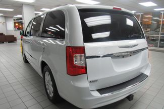 2015 Chrysler Town & Country Touring W/DVD/ BACK UP CAM Chicago, Illinois 4