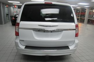 2015 Chrysler Town & Country Touring W/DVD/ BACK UP CAM Chicago, Illinois 5