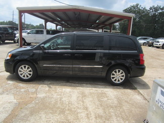 2015 Chrysler Town & Country Touring Houston, Mississippi 2