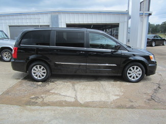 2015 Chrysler Town & Country Touring Houston, Mississippi 3