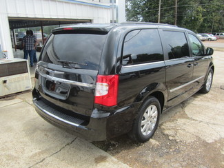 2015 Chrysler Town & Country Touring Houston, Mississippi 4