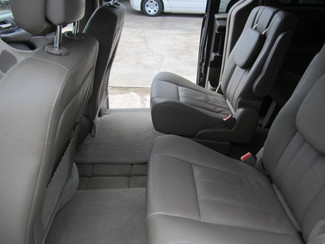 2015 Chrysler Town & Country Touring Houston, Mississippi 7