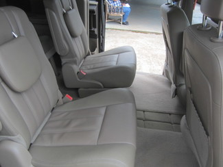 2015 Chrysler Town & Country Touring Houston, Mississippi 9