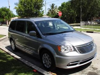 2015 Chrysler Town & Country Touring Miami, Florida 5