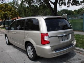 2015 Chrysler Town & Country Touring Miami, Florida 2