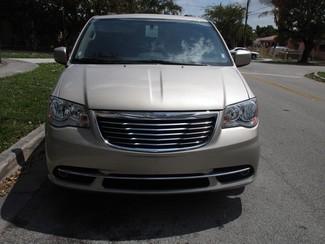 2015 Chrysler Town & Country Touring Miami, Florida 6