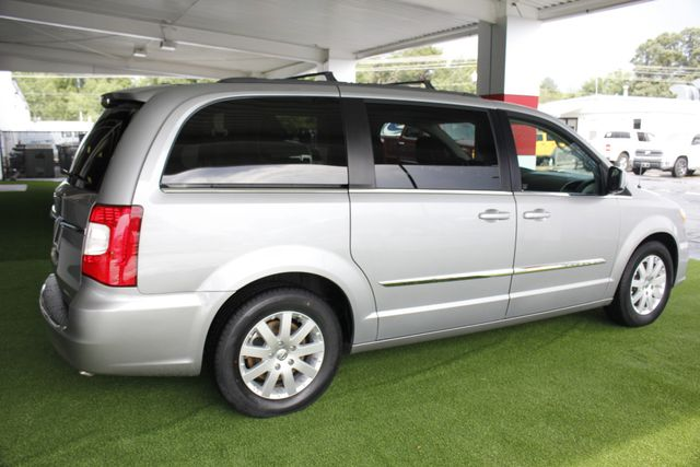 2015 Chrysler Town & Country Touring Edition - NAVIGATION - REAR DVD! Mooresville , NC 23