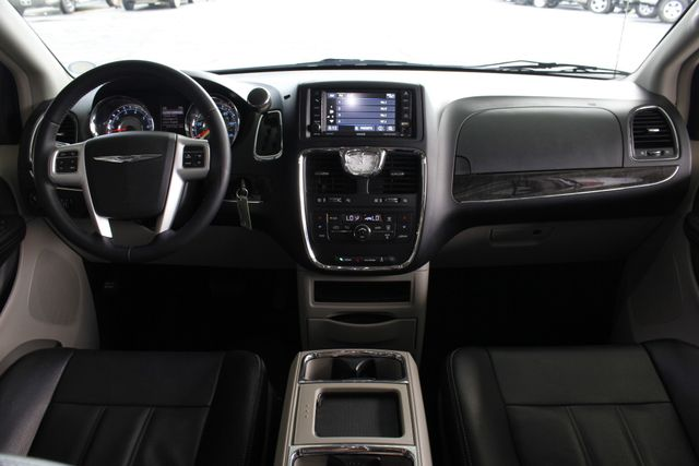 2015 Chrysler Town & Country Touring Edition - NAVIGATION - REAR DVD! Mooresville , NC 28