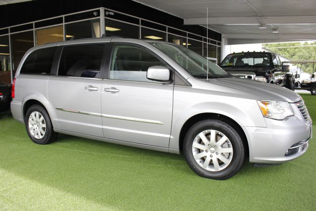 2015 Chrysler Town & Country Touring Edition - NAVIGATION - REAR DVD! Mooresville , NC 21