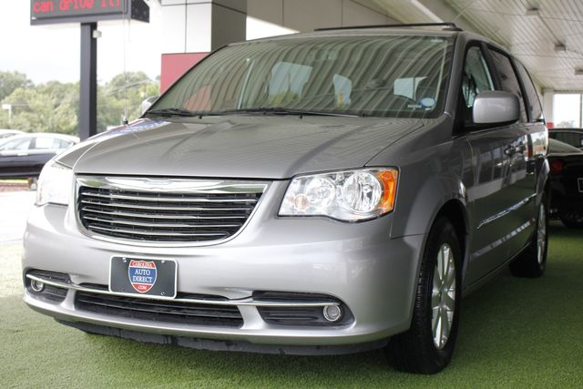 2015 Chrysler Town & Country Touring Edition - NAVIGATION - REAR DVD! Mooresville , NC 26