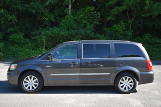 2015 Chrysler Town & Country Touring Naugatuck, Connecticut 1
