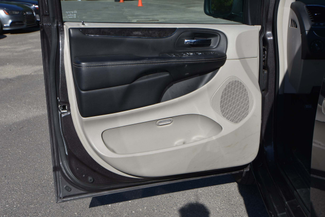 2015 Chrysler Town & Country Touring Naugatuck, Connecticut 13