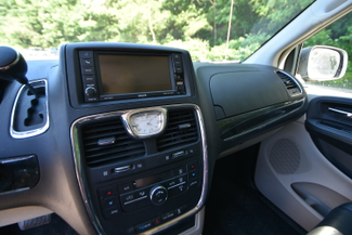 2015 Chrysler Town & Country Touring Naugatuck, Connecticut 16