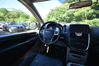 2015 Chrysler Town & Country Touring Naugatuck, Connecticut 9