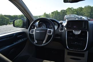 2015 Chrysler Town & Country Touring Naugatuck, Connecticut 12