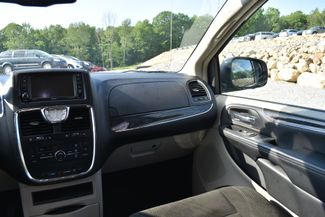 2015 Chrysler Town & Country Touring Naugatuck, Connecticut 14