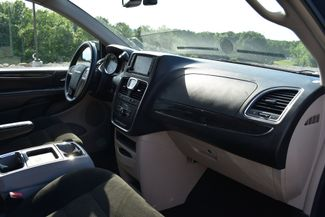 2015 Chrysler Town & Country Touring Naugatuck, Connecticut 8